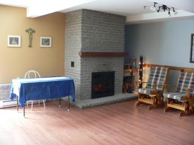 residences-personnes-agees-manoir-de-la-riviere-salon-5-grande